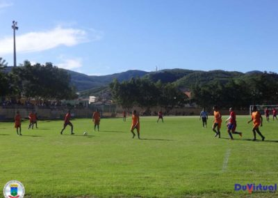 Estádio de Macaúbas (2)