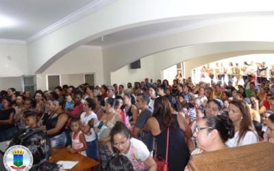 Reunião e cadastramento de família para o Programa Minha Casa Minha Vida