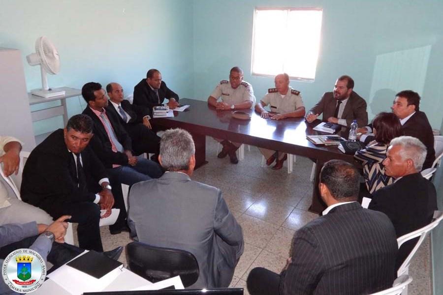 Legislativo realiza reunião com representantes da PM