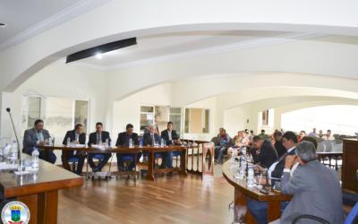 8ª Sessão: Projetos do Executivo apresentados, Indicação, Decreto, Pareceres e Projetos do Legislativo foram votados e aprovados